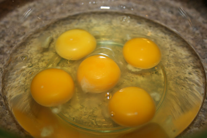 Eggs-in-bowl